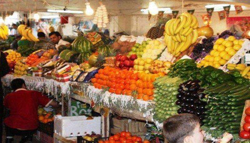نوسان قیمت گوجه فرنگی در بازار/کمبودی در عرضه میوه های پاییز وجود ندارد