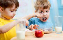 چگونه کودکان را به خوردن صبحانه تشویق کنیم؟